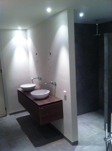 Strakke badkamer in Waalwijk | Van Assen Bouwbedrijf