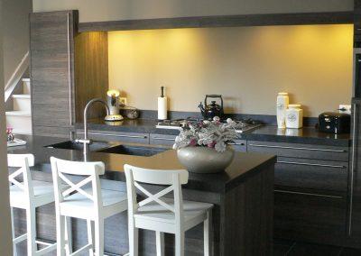 Keuken met kookeiland in Raamsdonksveer